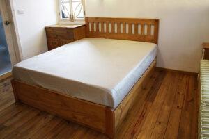 原木收納床24