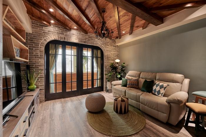 原木造型天花板
