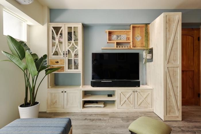 原木電視櫃牆
