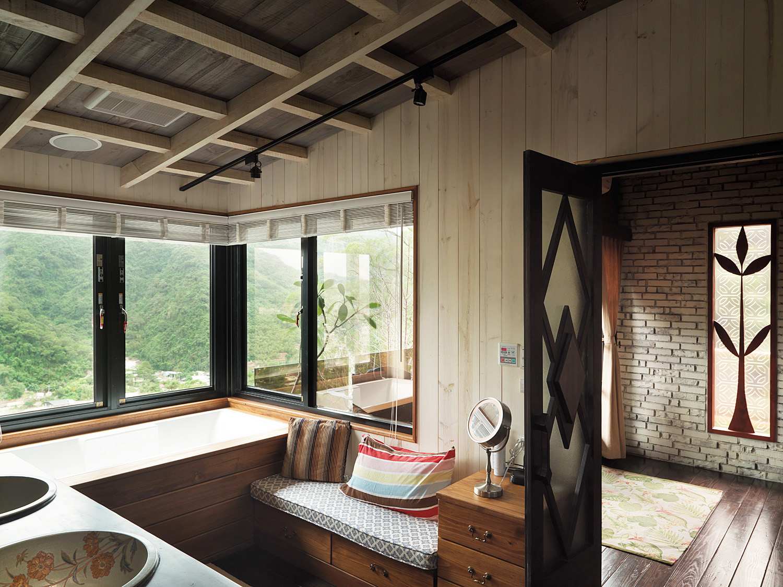 休閒風浴室