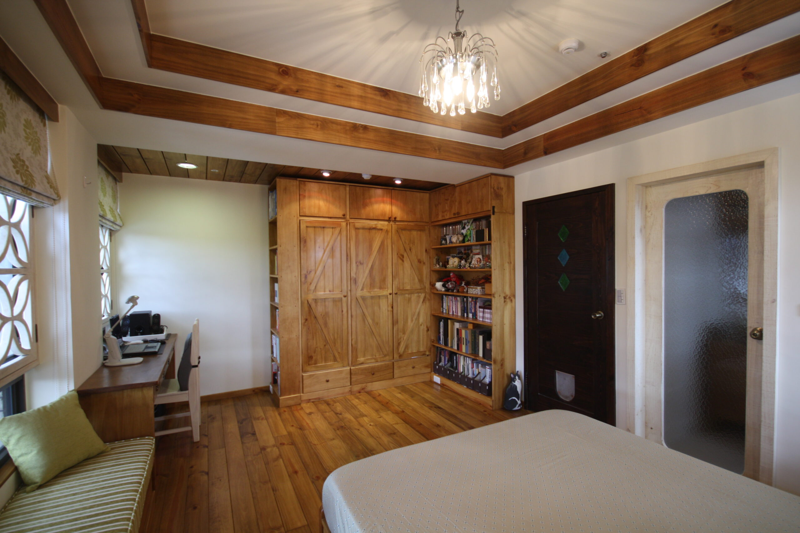 臥室天花板設計